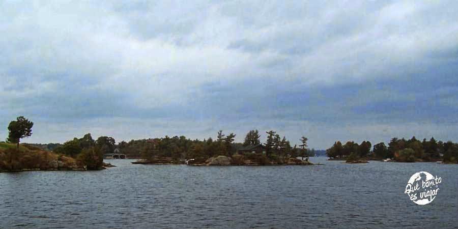 Paseo en barco por Mil Islas