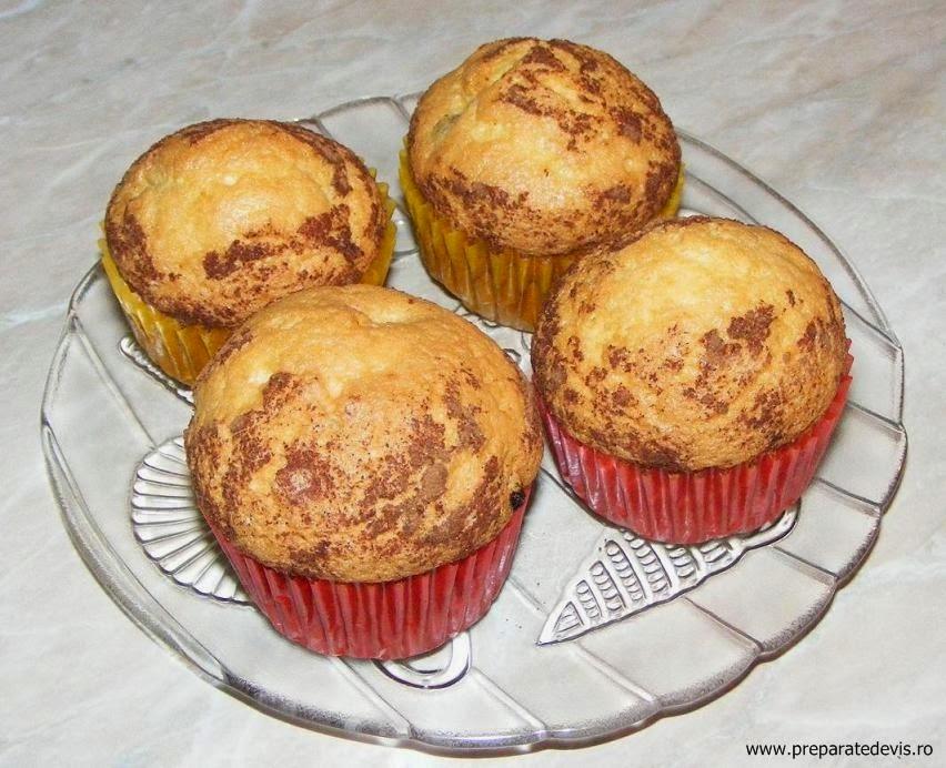 retete si preparate culinare dulciuri deserturi prajituri madlene briose cu stafide si scortisoara de casa