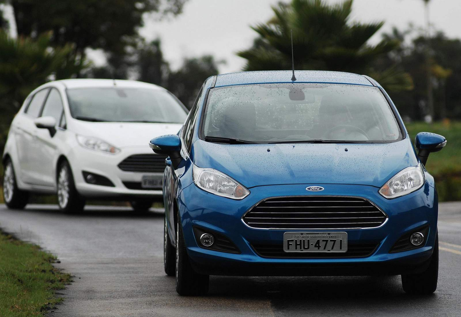 Novo Fiesta 2014 1.5 S x Gol 1.6 x Palio - comparativo de consumo e