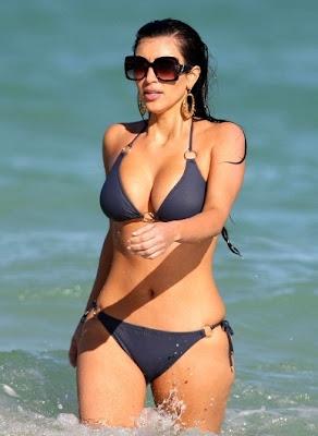 Foto-foto Kim Kardashian Hot Bikini