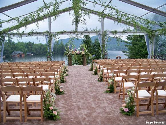decoracao para casamento em sitio:É um tema usado para casamentosa serem realizados durante o dia e em