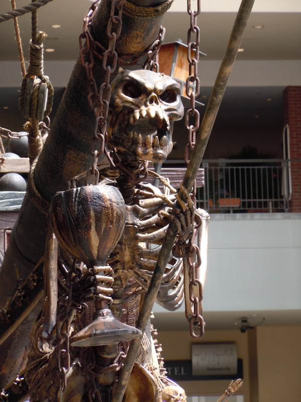 Pirate ship skeleton figurehead