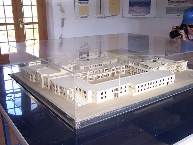 Malia Sarayı canlandırma maketi, ören yeri girişi