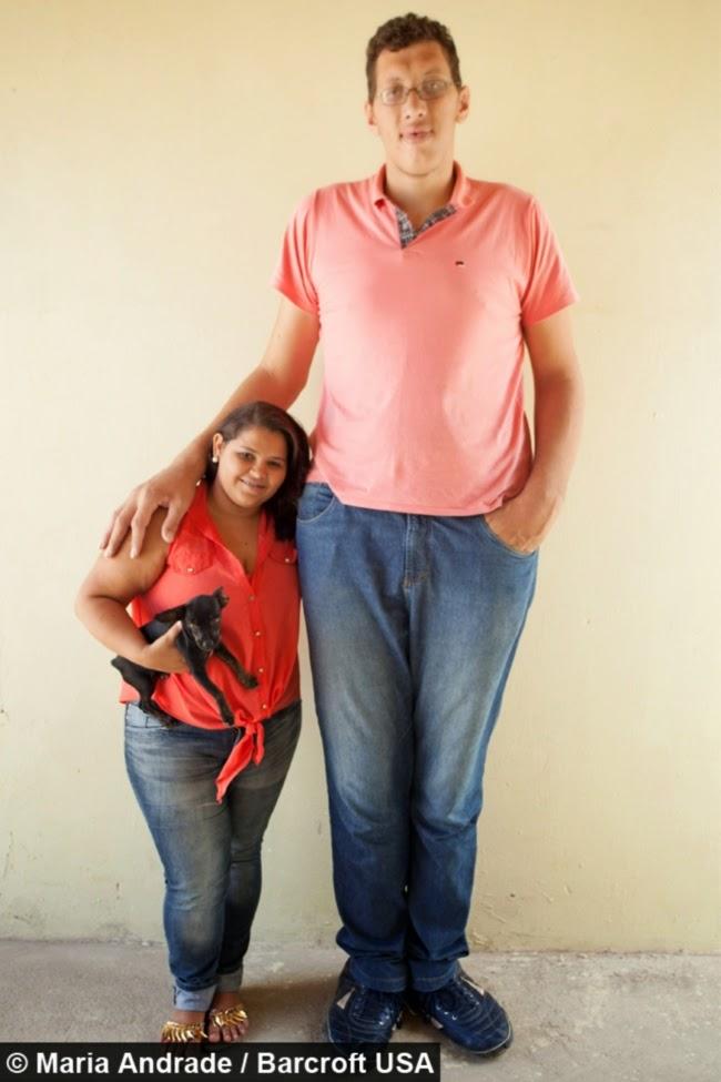 http://asalasah.blogspot.com/2015/04/pria-raksasa-dari-brazil-akhirnya-temukan-gadis-idaman.html