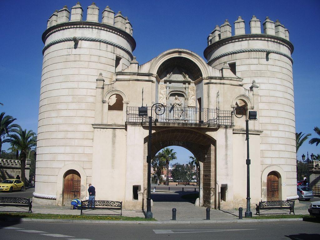 monumentos importantes en badajoz