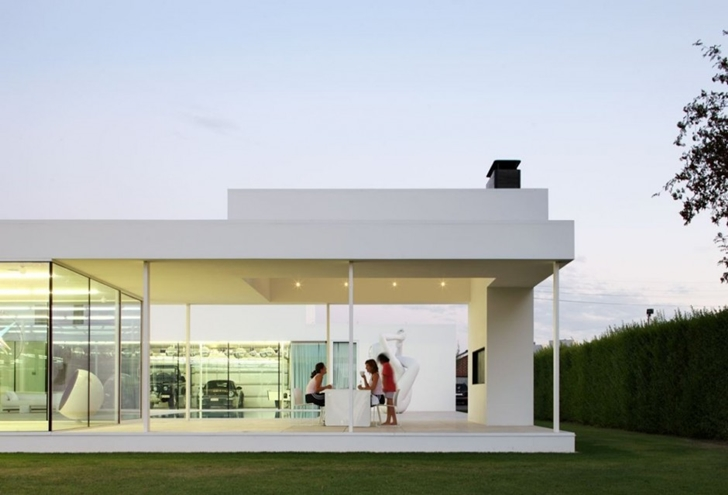Covered terrace of Minimalist Home by Beel & Achtergael Architects