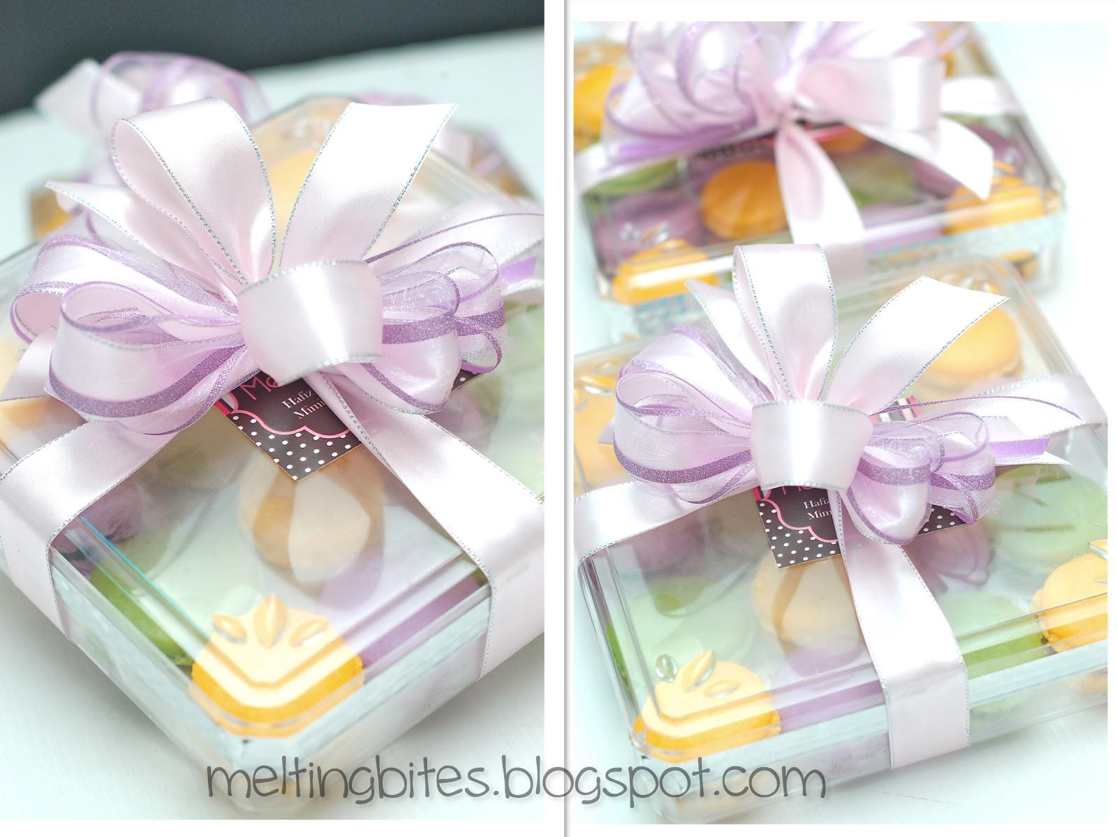 Melting Bites - Something Sweet By MeltingBites: Macarons for hantaran