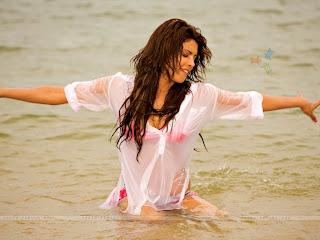 Priyanka Chopra Hot | Image World Priyanka Chopra Hot Beautiful And ...
