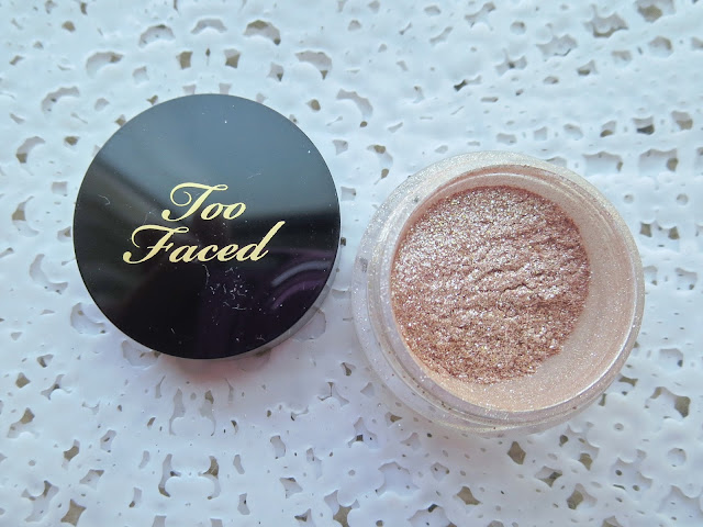 a picture of Too Faced Glamour Dust Glitter Pigment