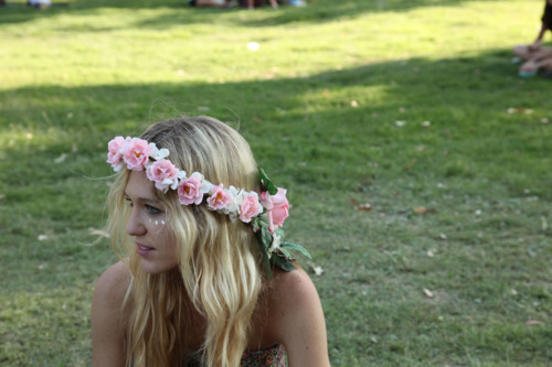 80 Coachella Inspired Flower Headbands And Crowns For