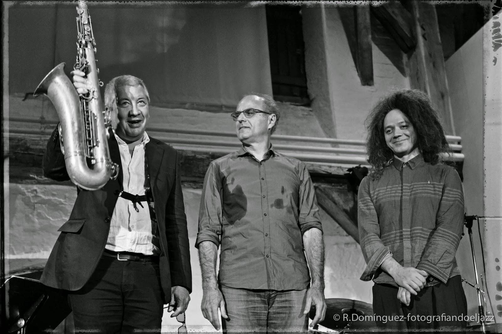 © R.Domínguez - Andy Sheppards trio Libero