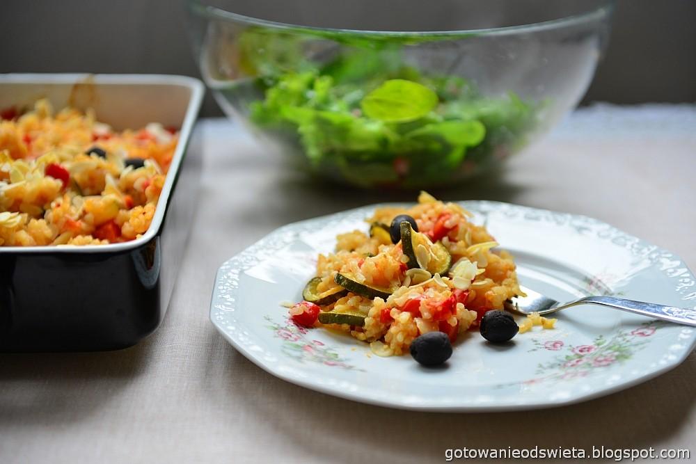 Paella wegetariańska z cebulą