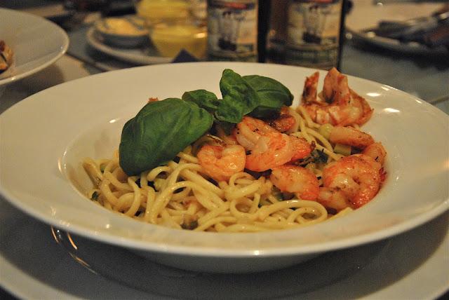 Pasta mit Garnelen und frischen Gemüse