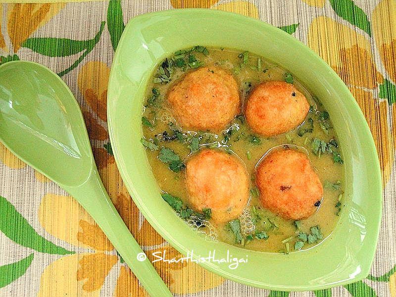 bonda soup (karnataka style) / restaurant style bonda soup / karnataka restaurant style bonda soup
