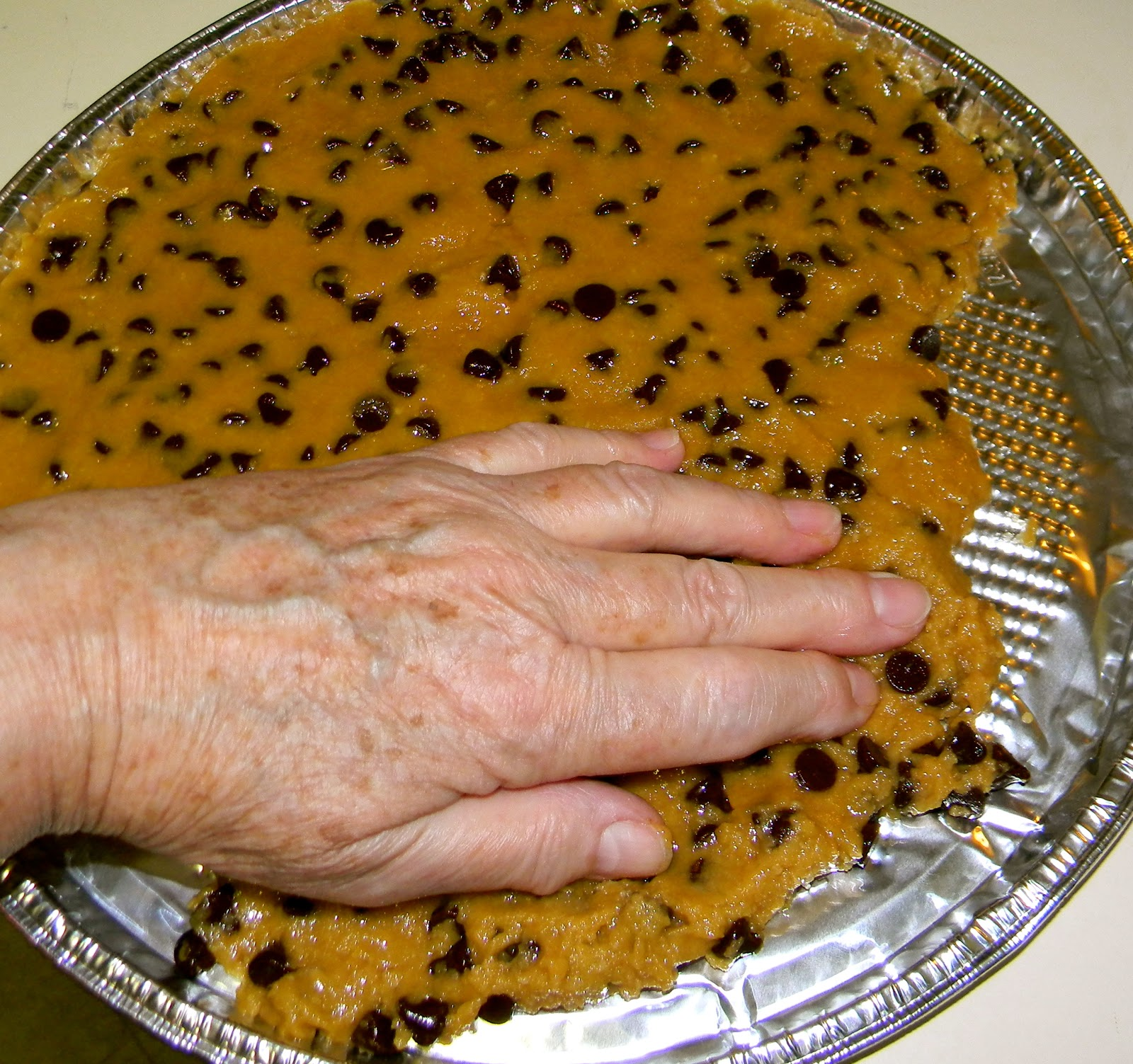 Step by Step in the kitchen: Chocolate Chip Cookie Birthday Cake ...