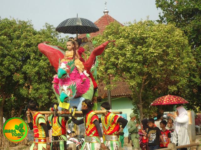 FOTO : Singa Dangdut, GOYANG 25, Putra Genades di Pagaden Barat