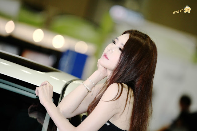 1 Han Ga Eun -  World Consumer Electronics - very cute asian girl-girlcute4u.blogspot.com