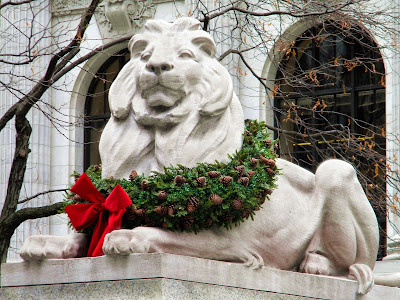 library lions Christmas
