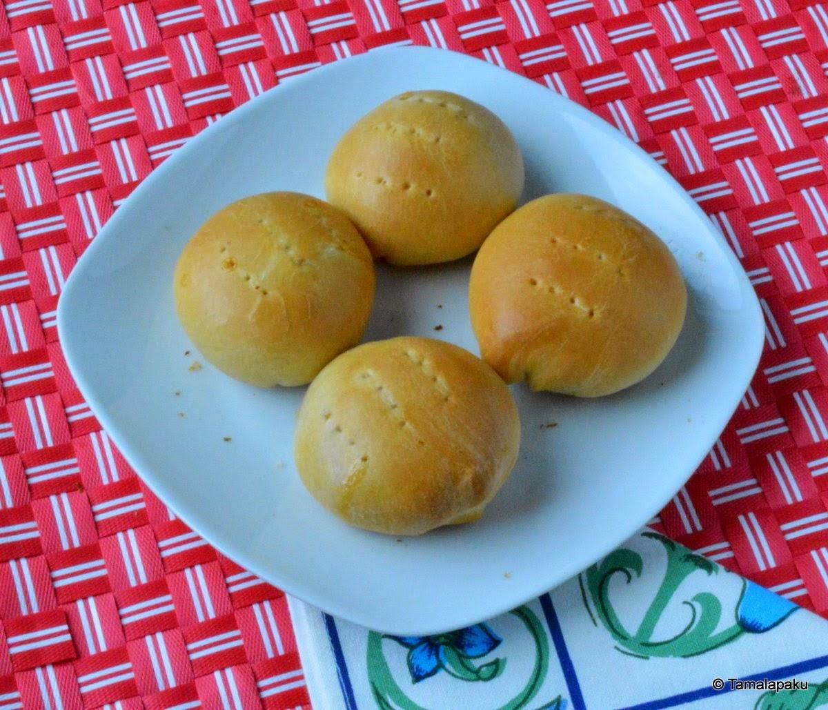 Pan De Coco ~ Coconut Buns