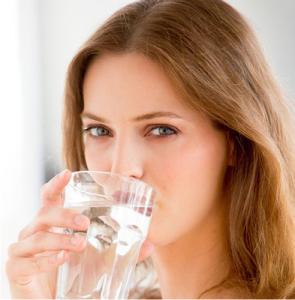 Cara Agar Minum Air Putih Terasa Nikmat