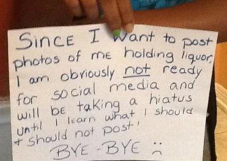 Madre castiga a su hija con una humillante foto que obligo a publicarla en Facebook
