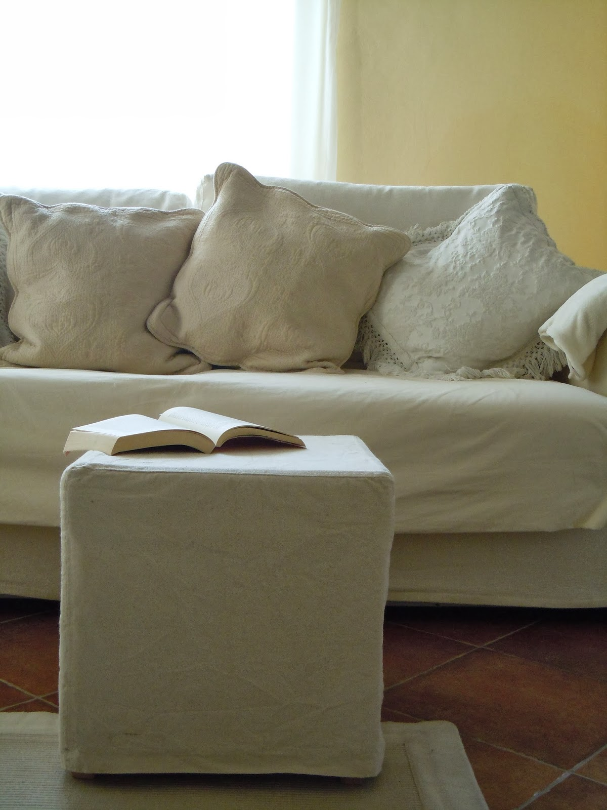 Le idee migliori mi vengono di notte pouf ikea before - Ikea pouf contenitore ...