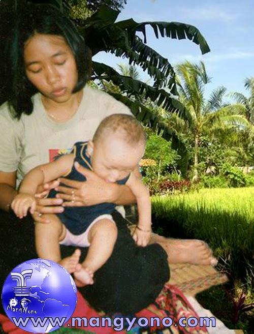 """Anak pertama saya """" Gugum """" Lahir tahun 2002"""