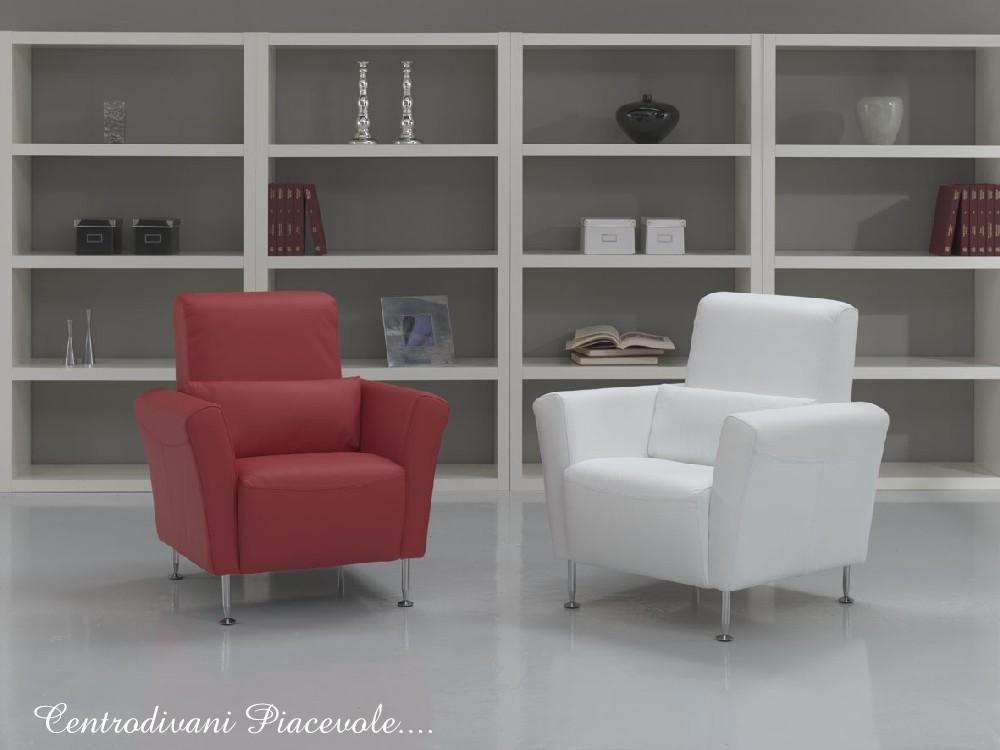 Centro divani piacevole poltroncine in pelle rossa o bianca for Poltroncine in pelle
