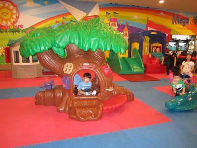 playground midvalley