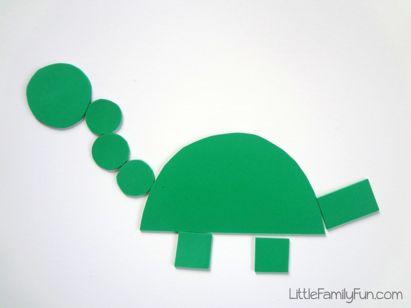 little family fun build a dinosaur