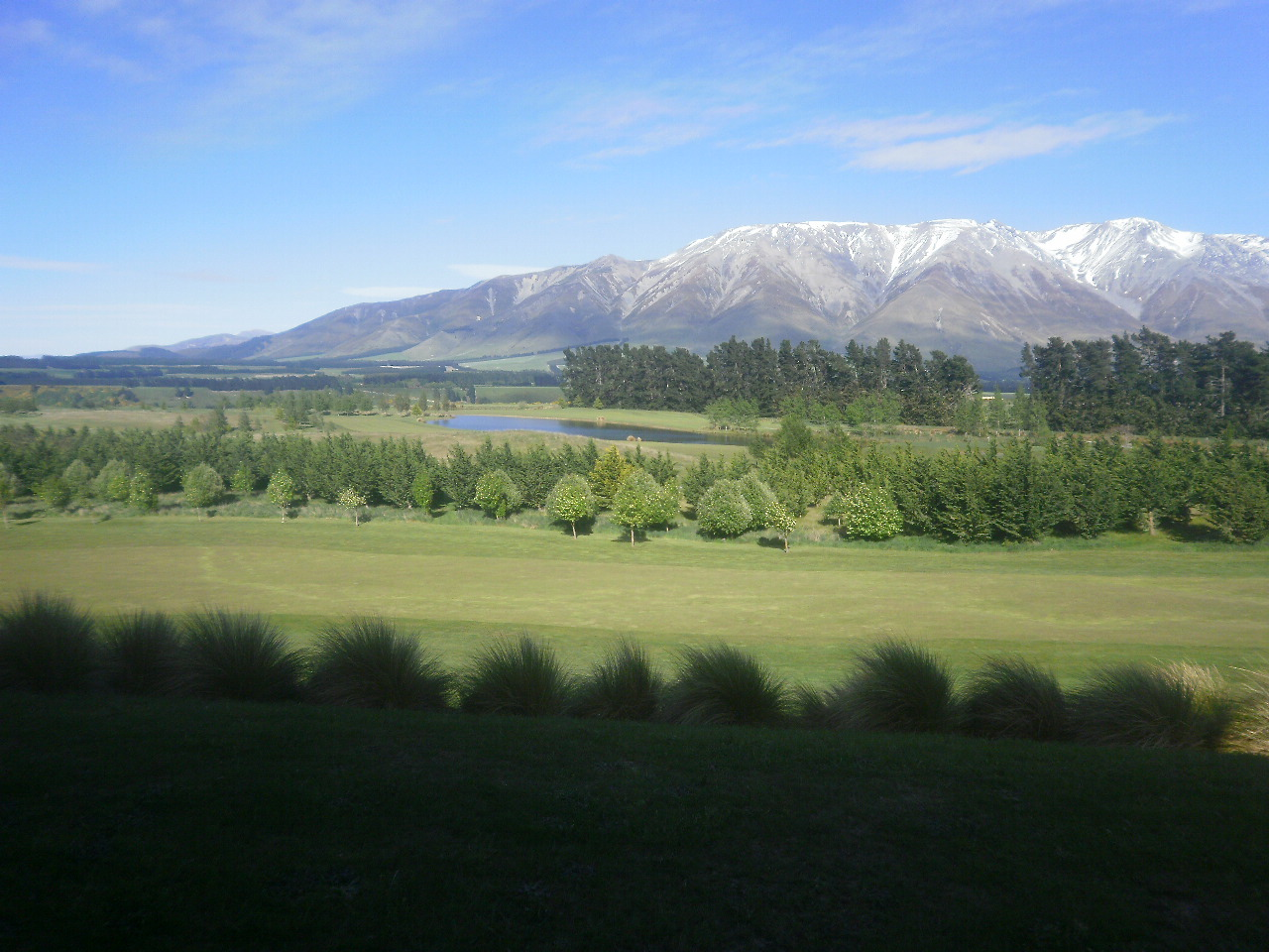 We are starting with a 7 day bus tripof the south island.