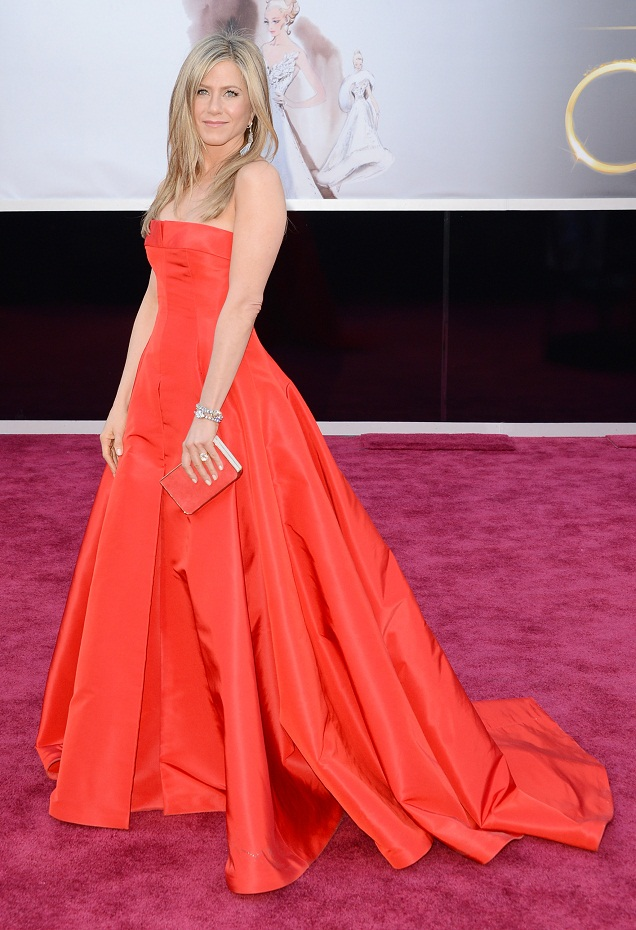 Jennifer Aniston - Celebrity Fashion at the 2013 Oscars