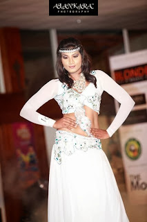 Thilini Gunasekara white