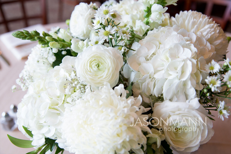 White wedding bouquet. Door County wedding reception. Flowers by Flora. Photo by Jason Mann Photography, 920-246-8106, www.jmannphoto.com