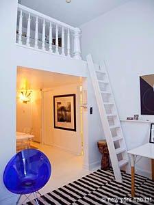 decorar piso pequeño luminoso, ganar metros a un estudio, habitacion en altillo