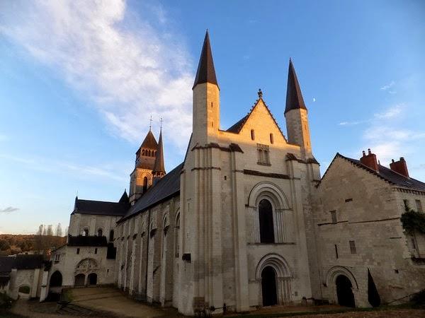 saumur abbaye royale fontevraud monastère