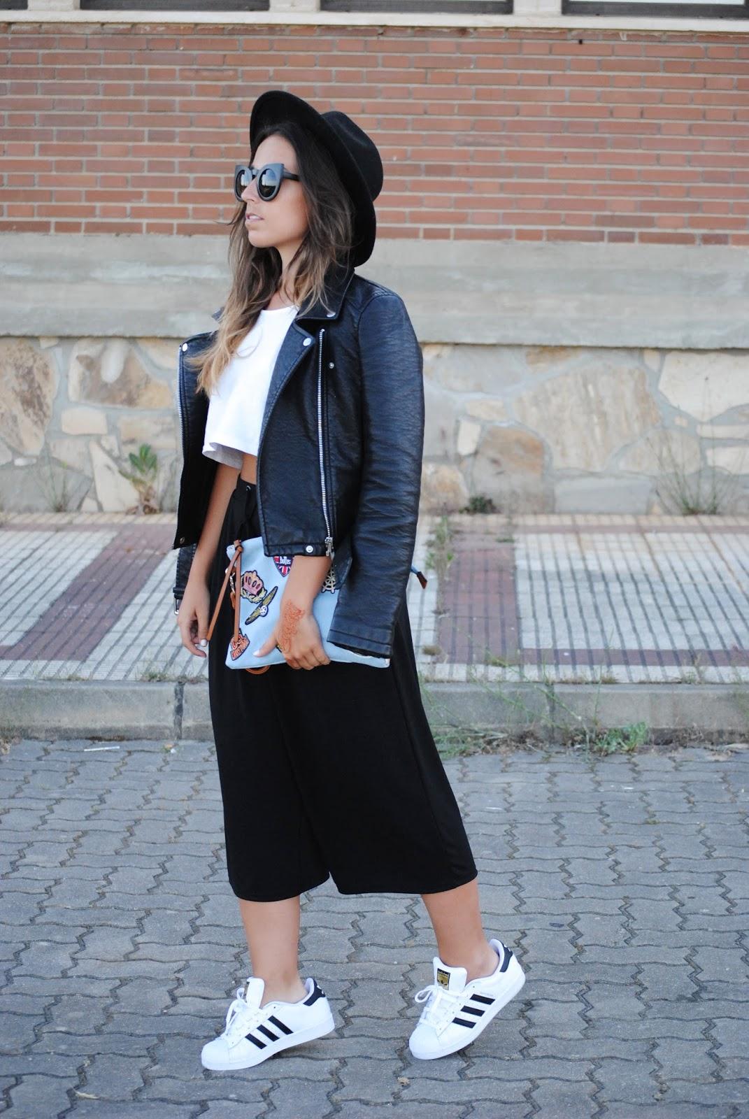 Adidas Superstar Negras Puestas