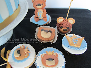 bolo bolachas cakepops cupcakes ursinho batizado
