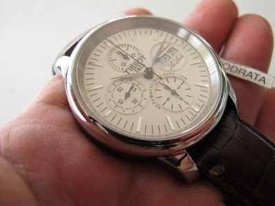 Hasil gambar untuk jam tangan Tissot Le Locle Automatic Chronometre