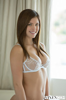 young-girls - rs-16-783341.jpg