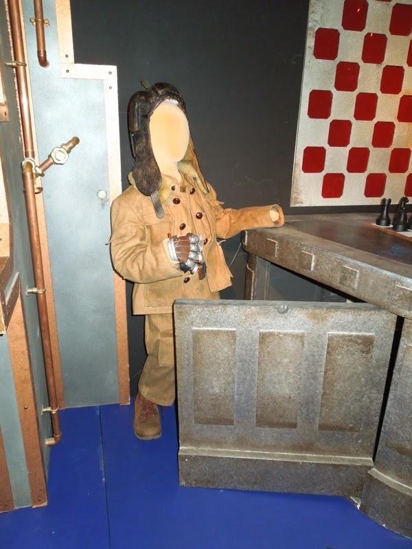 Warwick Davis Porridge costume Doctor Who Nightmare in Silver