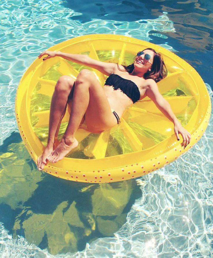 Flotadores_de_moda_para _la_piscina_y_la_playa_The_Pink_Graff_010