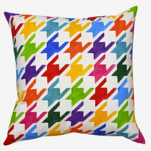http://paintapillow.com/index.php/houndstooth-paint-a-pillow-kit.html