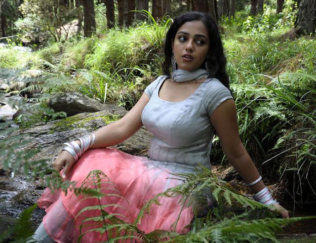 Hot Tamil actress blouse Nithya Menon