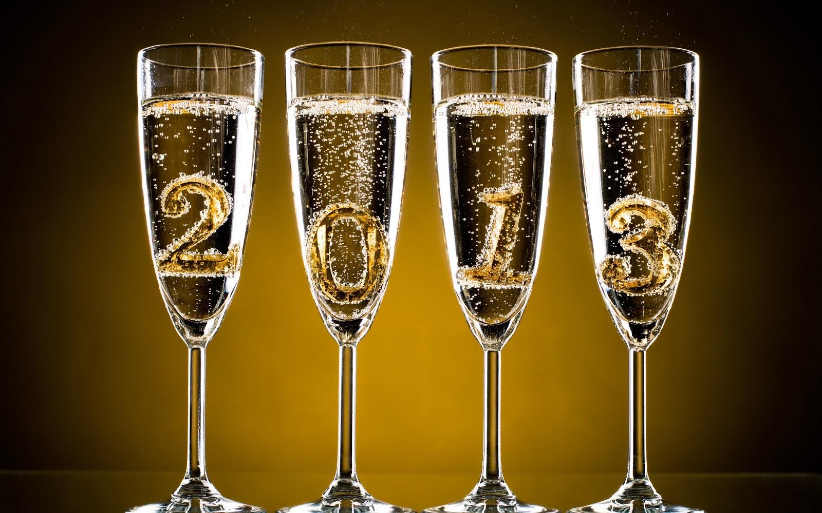 [Hình: 2013-Happy-New-Year-Widescreen-Wallpaper-.jpg]