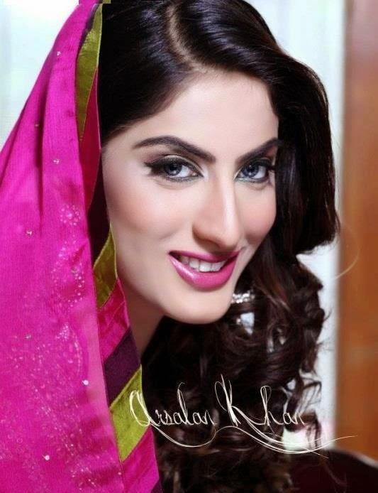 Sana Khan HD wallpapers Free Download