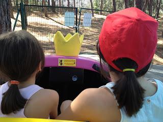 vacaciones, verano ,parque de atracciones, niños felices, niños