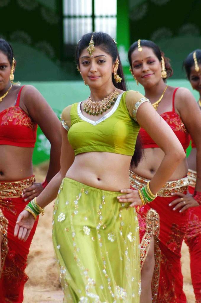 Praneetha Latest Hot Navel ShowPhotogallery hot photos