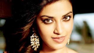 Anushka Ranjan cute wallpapers download Sexy babe