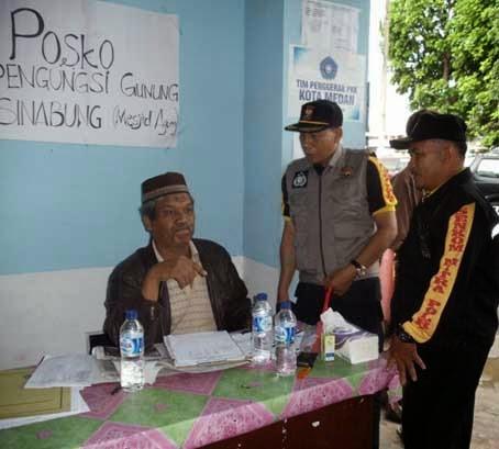 38 KK Pengungsi Sinabung Bertahan di Masjid Awaaliyah Payung